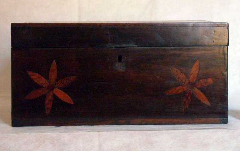 Urna de madeira
